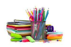 Obrazek przedstawiający przybory szkolne